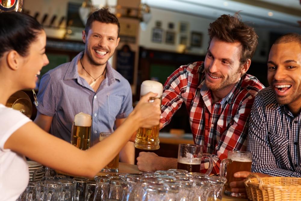 bigstock-Happy-friends-drinking-beer-at-45992998.jpg